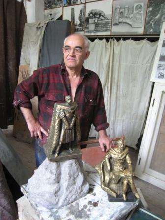 В 2009-м – 150-летие со дня рождения Коста Хетагурова. К юбилею Михаил Дзбоев готовится уже сейчас.