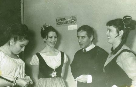 Студенты осетинской студии ГИТИСа с педагогом из Испании А.Гутьерресом.