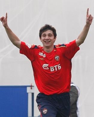 Алан ДЗАГОЕВ не забывает своих футбольных истоков