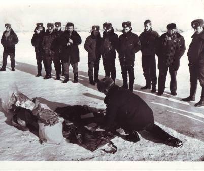 Большое количество взрывчатки и 180 м бикфордова шнура перевозил грузинский вертолет из Гори в Тамарашени, но был посажен по распоряжению Вострикова. Цхинвал, вертолетный полк, 12 февраля 1991 г.