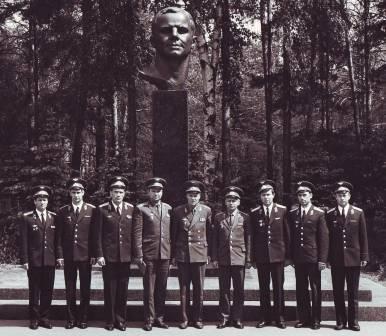 Выпускник Военно-воздушной академии им. Гагарина А.Востриков не мог предполагать, что ему придется защищать Родину на территории собственной страны.