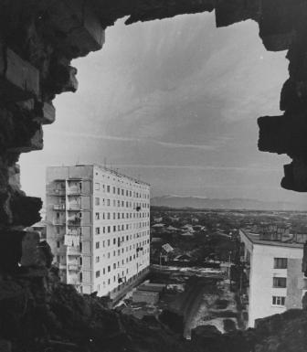 Цхинвал: пейзаж после ракетного обстрела.