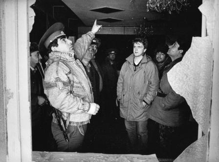 «Осетины не дают нам покоя», – рассказывают грузинские оккупанты корреспонденту «Московских новостей» Андрею Колесникову (ныне – спецкор газеты «Коммерсантъ»). Цхинвал, январь 1991 г.