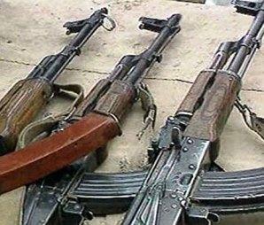 В Северной Осетии торговцы оружием успели сбыть 13 автоматов Калашникова и два пулемета