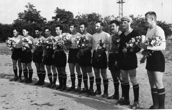 1959 г. Новороссийск встретил цветами...