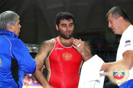 Малик и Дзамболат Тедеев ассистируют Георгию Кетоеву.