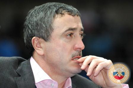 Двукратный олимпийский чемпион Арсен Фадзаев был самым внимательным зрителем.