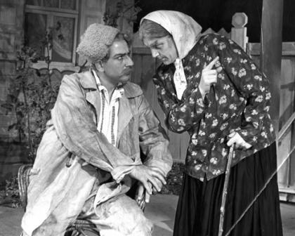"""А.Царукаев и Т.Кариаева в спектакле """"Деньги"""". 1956 г."""