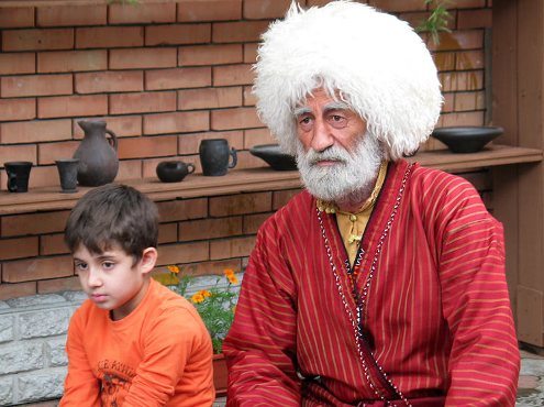 Лактемр Дзтиев (справа) и Векиль-Ахмед Ахади.