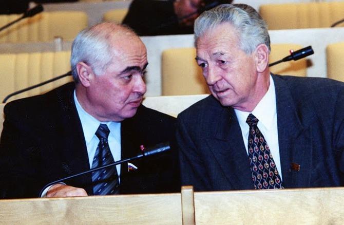 С летчиком-космонавтом СССР Виталиев Севастьяновым.