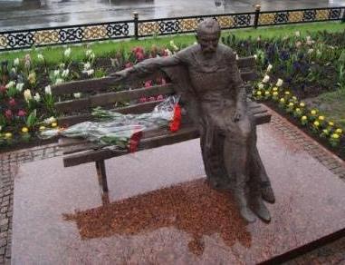 Коста Хетагуров теперь будет восседать на проспекте во Владикавказе