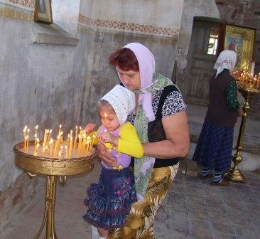 В старинный храм станицы Новоосетинской возвращается духовная жизнь