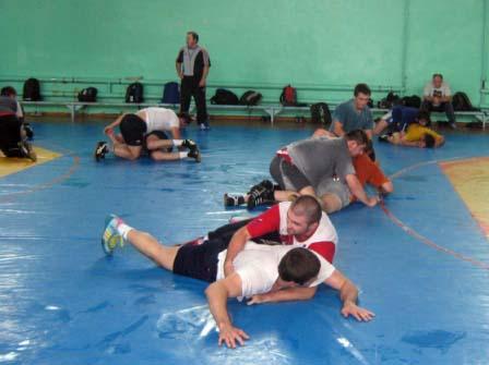 Тренировка осетинских вольников перед первенством России.