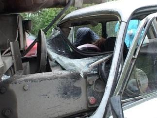 Недалеко от Владикавказа водитель «шестерки» врезался в «КамАЗ»