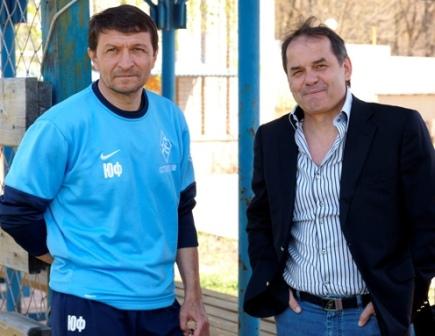Судя по всему, пути Юрия Газзаева (слева) и президента «Крыльев Советов» Виктора Развеева расходятся.