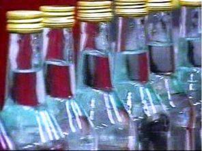 В Моздоке в магазине изъяли более тысячи бутылок нелегальной водки