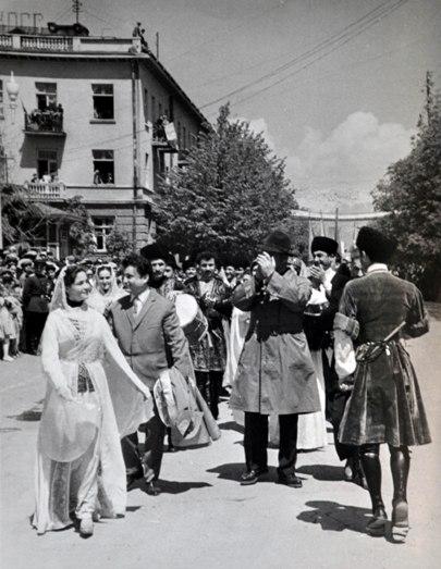 На Первомайской демонстрации. г. Цхинвал, 1962 г.