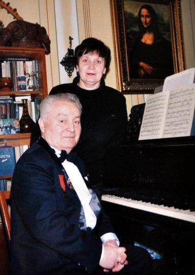 Почетный кавалер медали им. Г.В.Свиридова и его супруга Лариса Остаева.