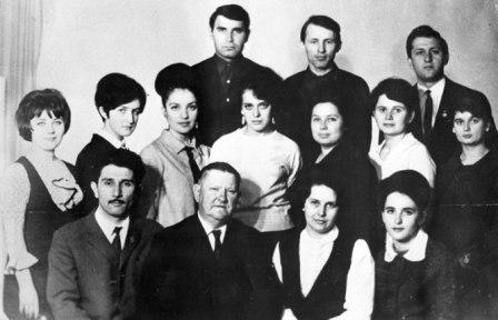Курс в Саратовской консерватории. Ким Суанов - в верхнем ряду крайний справа.