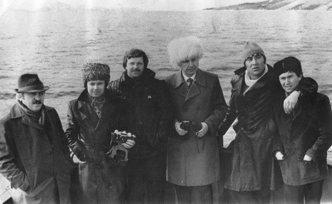 Созвездие артистов на берегах Норвегии. Слева направо: Ким СУАНОВ, Аскер МАХМУДОВ, Евгений ВОЛОЖАНИН, Давид ТЕМИРЯЕВ, Булат ГАЗДАНОВ и Олег МИТКЕЕВ.