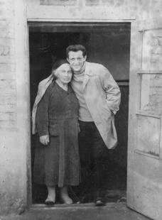 С бабушкой Марией в Алагире. 1963 г.