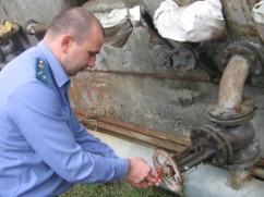 Приставы приостановили работу нефтеперерабатывающего предприятия в селе Зильги
