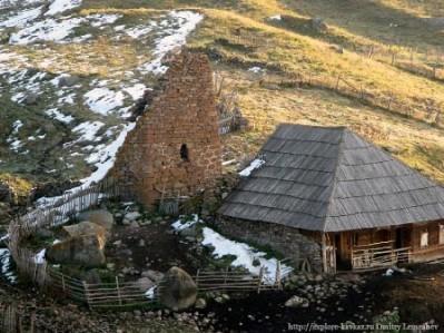 Южная Осетия. Башня-в-селе-Эрман-не-Фарниевых