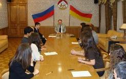 Вице-премьер Северной Осетии призвал студентов МГУ равняться на евреев