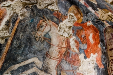 5. Святой Георгий Победоносец. Фреска на южной стене Нузальской церкви.