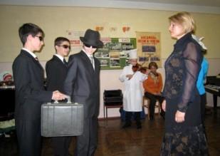 Чемодан денег за скрипку Страдивари.