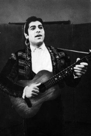 В роли Фигаро. Саратов, 1968 г.