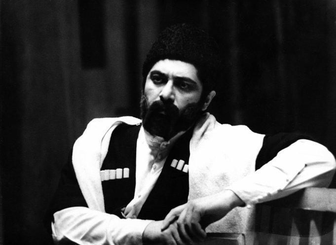 """Юрий БАЦАЗОВ в опере """"Коста"""". 1974 г. Фото Т.Гайнановой."""