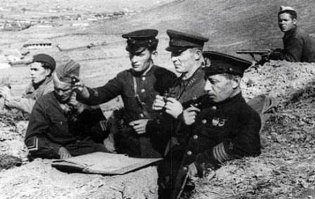 На командном пункте в районе Моздока. 1942 г.