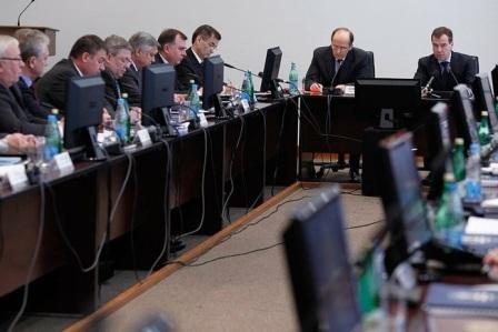 Президент России: «Никто, кроме нас, порядок навести не сможет»