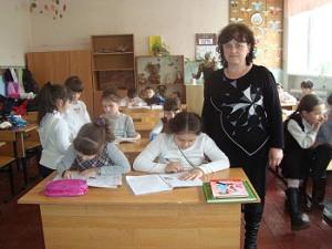 Родной язык начинается с семьи и с хорошего учителя