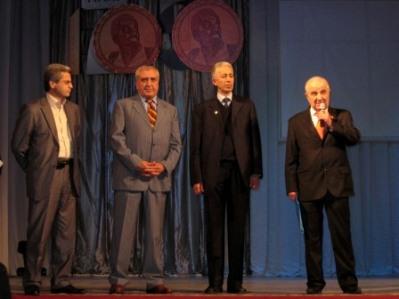 Поздравление великолепной четверки. Слева направо - Т.Маргиев, В.Гулуев, А.Макоев, А.Магометов.
