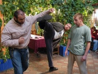 Занятия боксом помогают на съемочной площадке.