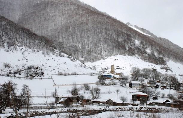 Село Баззаевых в Кударском ущелье.