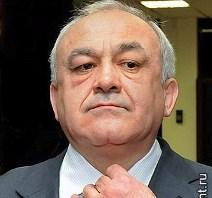 Таймураз МАМСУРОВ остается одним из самых бедных лидеров регионов