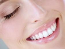 Эффективные методы профессиональной чистки и отбеливания зубов