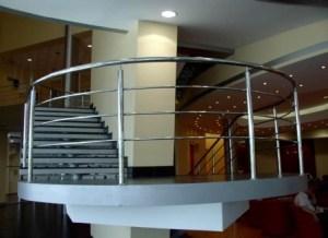 Металлические кружева сделают дом или офис почти музеем