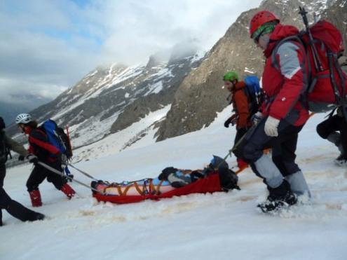 Непогода помогает готовить в горах профессиональных спасателей