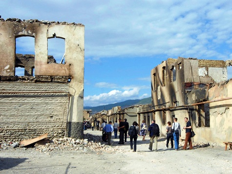 Через три года после войны Южная Осетия все еще лежит в руинах. Фото - Михаил Ковалев.