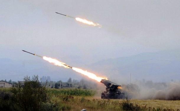 Грузинские «Грады» обстреливают Цхинвал. 8 августа 2008 г. Фото Ираклия Геденидзе.