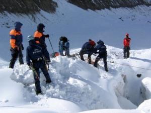 В горах Северной Осетии поисковая группа выдвинулась к месту гибели туристки