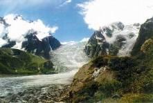 В горах Дигории от скатившегося по склону камня погиб альпинист
