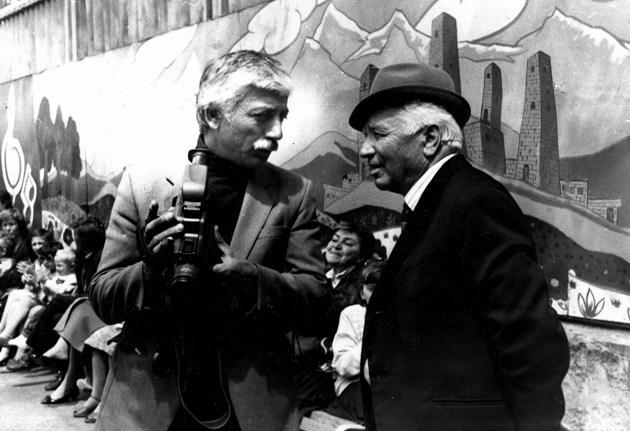 Роберт БИТАЕВ с писателем и драматургом Сергеем КАЙТОВЫМ.