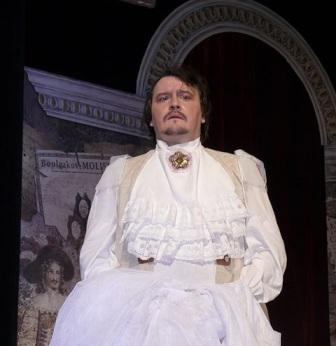 В спектакле «Полоумный Журден» (Русский театр).