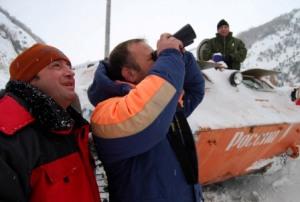 Транскавказская автомагистраль по-прежнему закрыта из-за сильного снегопада и угрозы схода лавин