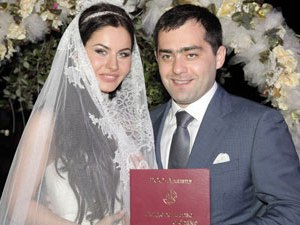 Алан ДЗАГОЕВ поздравил режиссера Comedy со свадьбой